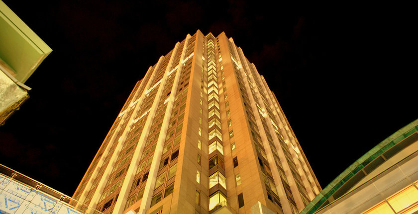 An RSA tower in Mobile at night (Flickr user Steve Driskell)