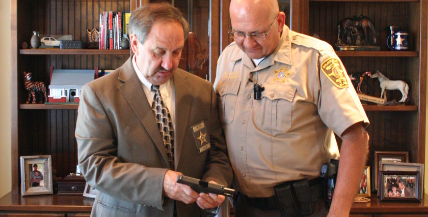 Alabama Sheriff delivers promised concealed carry handguns ...