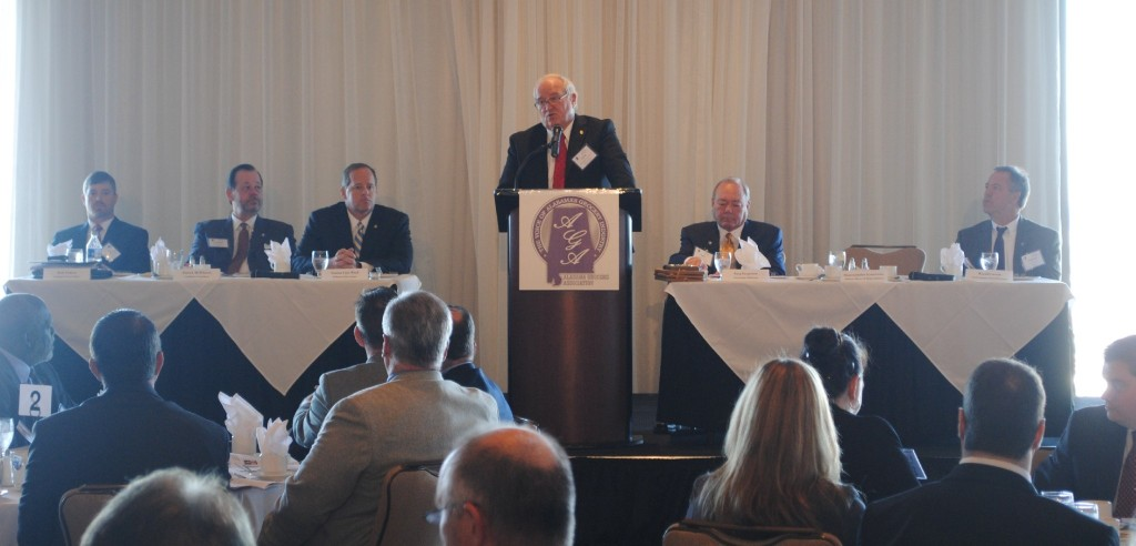 Rep. Lynn Greer led a panel at The Alabama Grocers Association Legislative Panel event to discuss what to expect in 2016 in regards to the Alabama grocery industry.