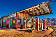 An old gas station in Chloride, Arizona (Photo: Kevin Cole)
