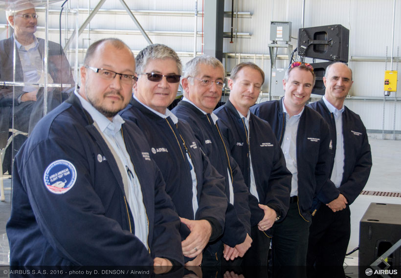 The flight crew for the initial test flight pose in Mobile. (Image: Airwind via Airbus)
