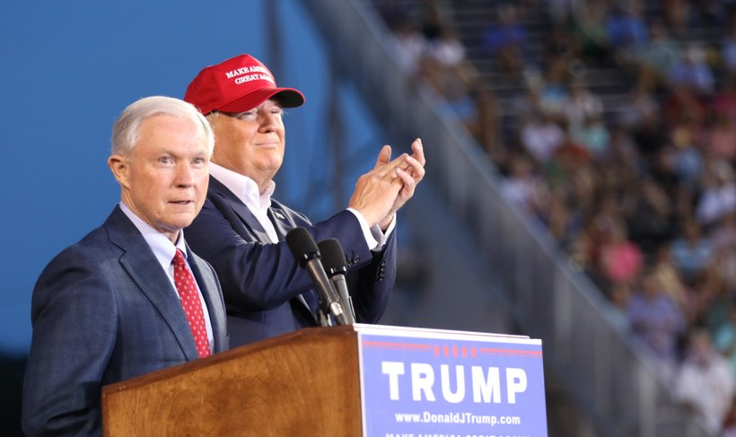 Jeff Sessions speaks at Donald Trump's campaign rally in Mobile, Ala. (Photo: Screenshot)
