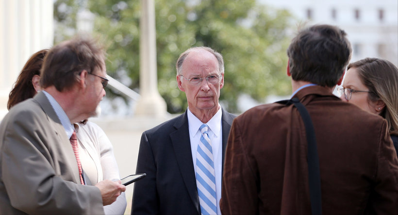 Governor Robert Bentley takes questions from reporters. (Photo: Governor's Office, Jamie Martin)
