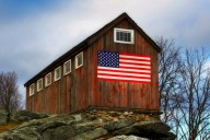 American flag painted on a barn (Photo: John Riziteli)