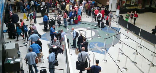 Transportation Security Administration employees at work in the Seattle-Tacoma International Airport. (Photo: Andrew Pilloud)