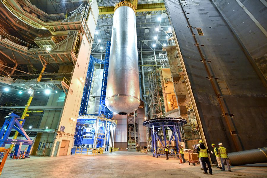 Auburn and NASA are investigating wireless technology that could monitor the SLS' giant fuel tank. (Image: NASA)