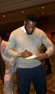Deontay Wilder signs autographs. (Solomon Crenshaw Jr. / Alabama NewsCenter)