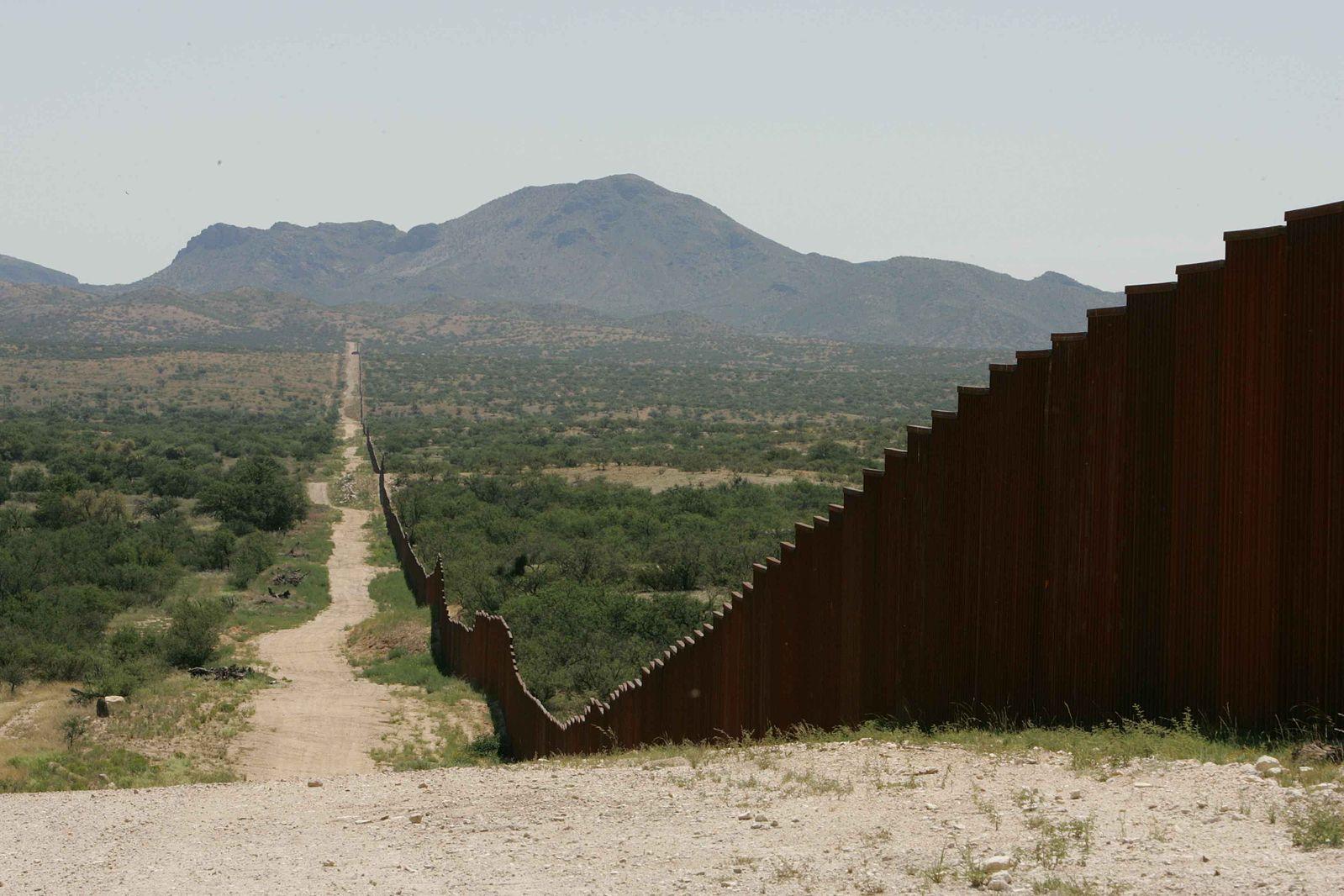 Construction to Begin on 4 Trump Border Wall Prototypes