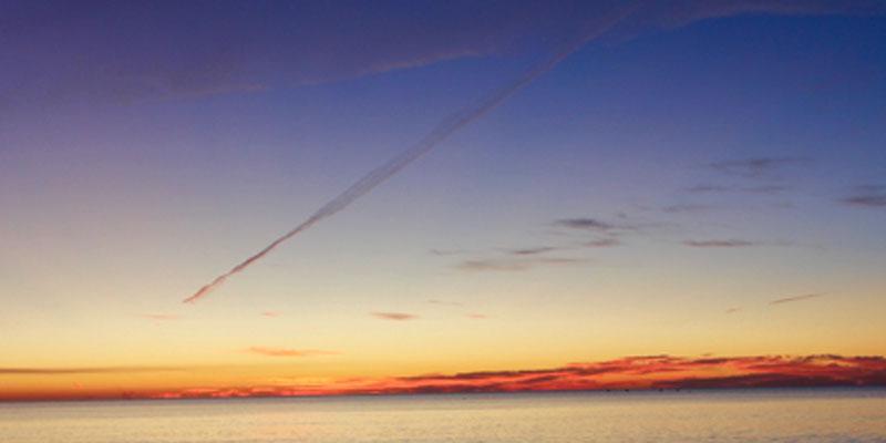 Andy Andrews: Meteor smoke trail at Orange Beach