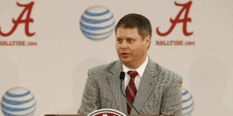 UA Athletics play-by-play announcer Chris Stewart released from hospital day before Thanksgiving