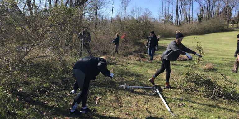 Volunteers put muscle behind protecting the watercress darter